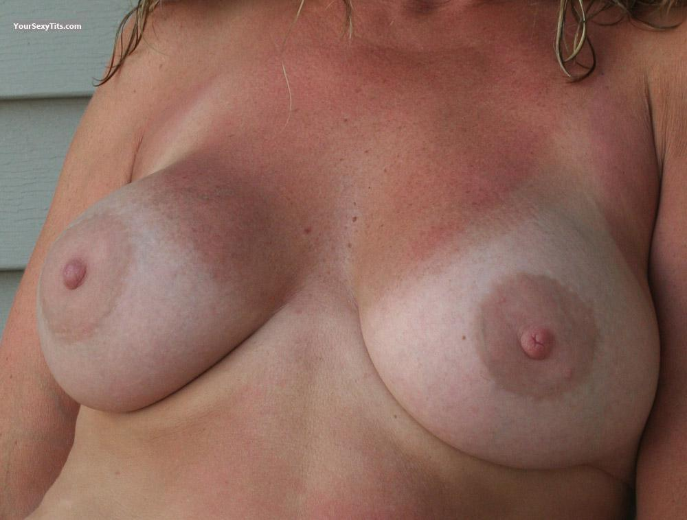 Tit Flash: Wife's Medium Tits With Strong Tanlines - Cindy from United States